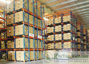kiểm soát côn trùng kho logistics nhà xưởng