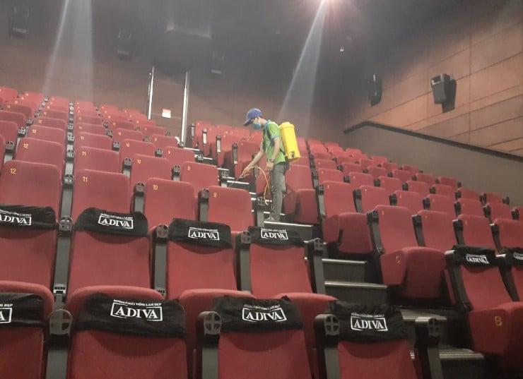 Diệt côn trùng cho rạp phim